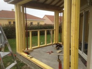 construction-extension-ossature-bois-bardage-bois-toit-tuiles-rouges-orleix-yoan-naturel.fr-65-2