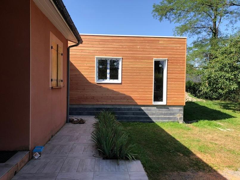 Extension-ossature-bois-toit-terrasse,-bardage-Douglas