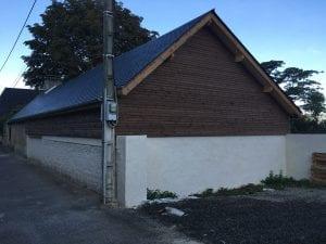 garage-construction-ossature-bois-bardage-bois-charpente-traditionnelle-couverture-ardoise-vielle-adour-yoan-naturel-65-1