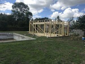 construction-pool-house-ossature-bois-bardage-bois-toit-terrasse-vielle-adour-yoan-naturel.fr-65-2